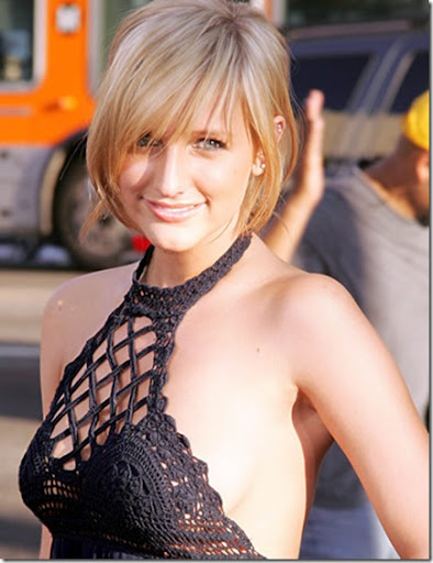 hot and sexy ashlee simpson, hot ashlee simpson in bikini, hot ashlee simpson wallpapers and photos, hot ashlee simpson boobs/breasts